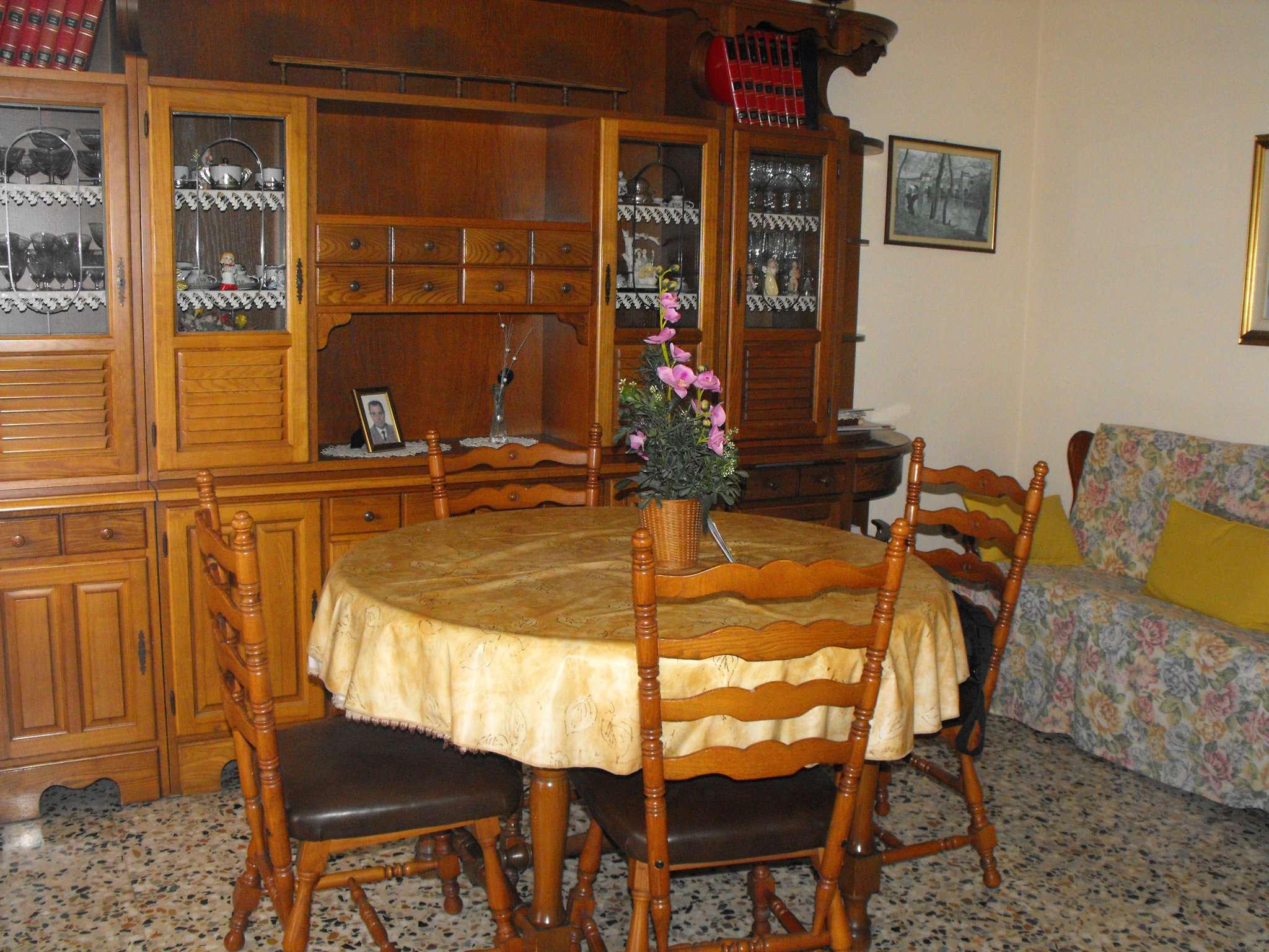 Bilocale Settimo Torinese Via Partigiani 4