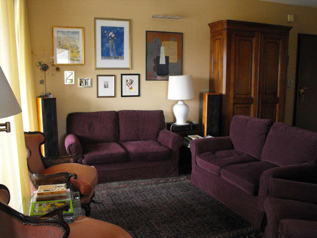 Ampio appartamento su due livelli con terrazzino, box e cantina, foto 0