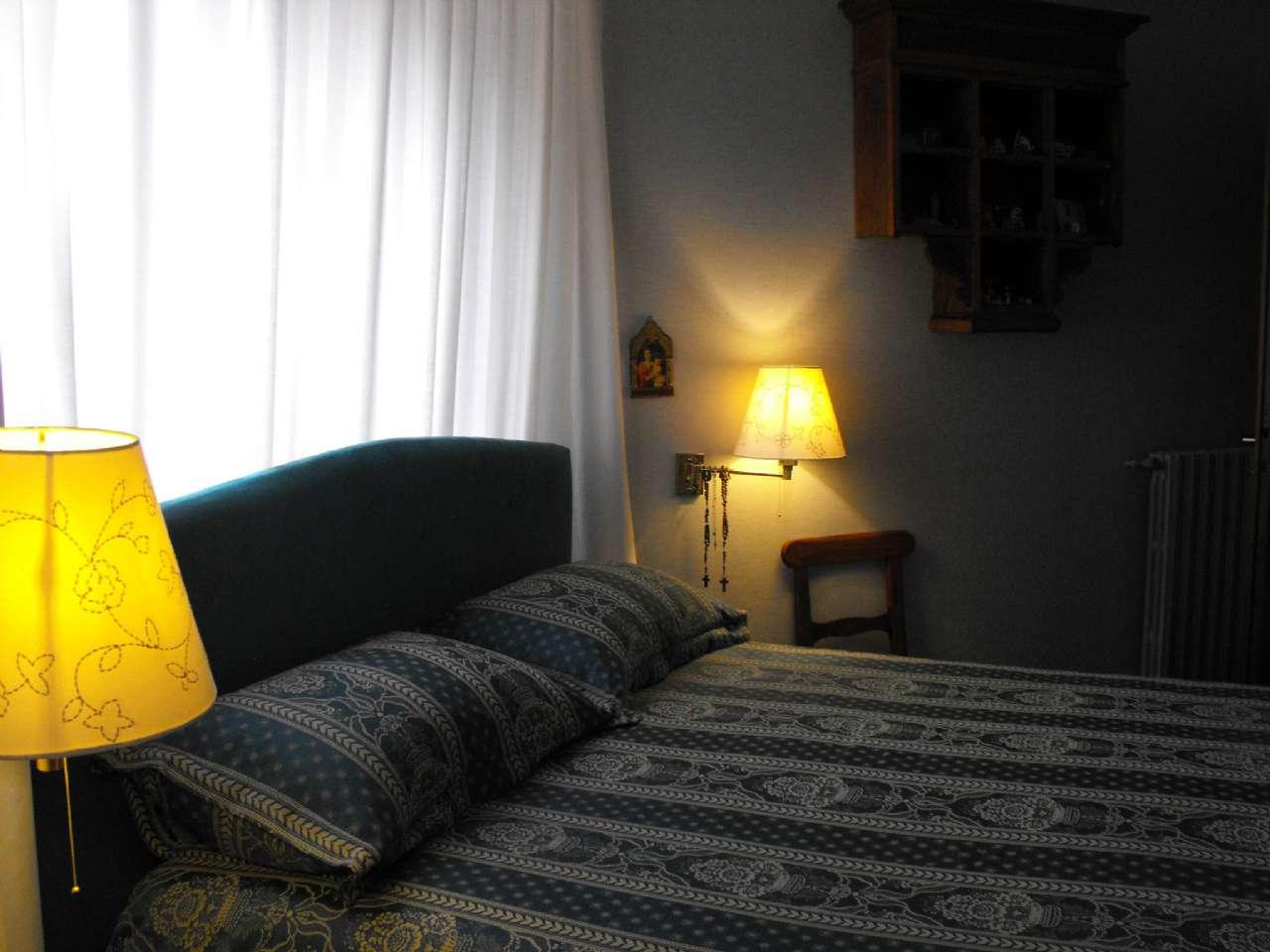 Ampio appartamento su due livelli con terrazzino, box e cantina, foto 8