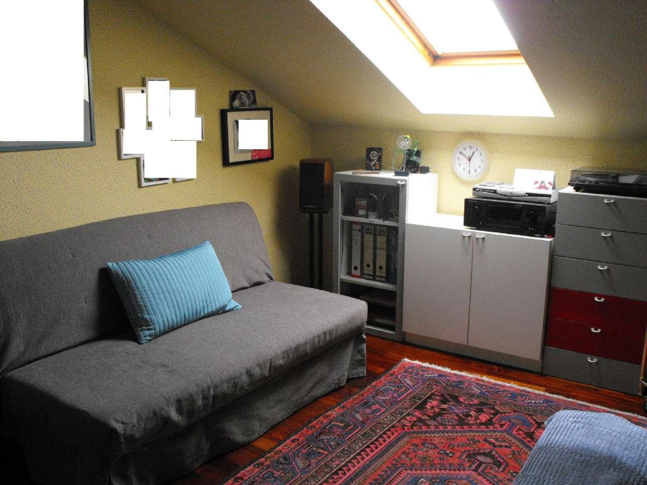 Ampio appartamento su due livelli con terrazzino, box e cantina, foto 10