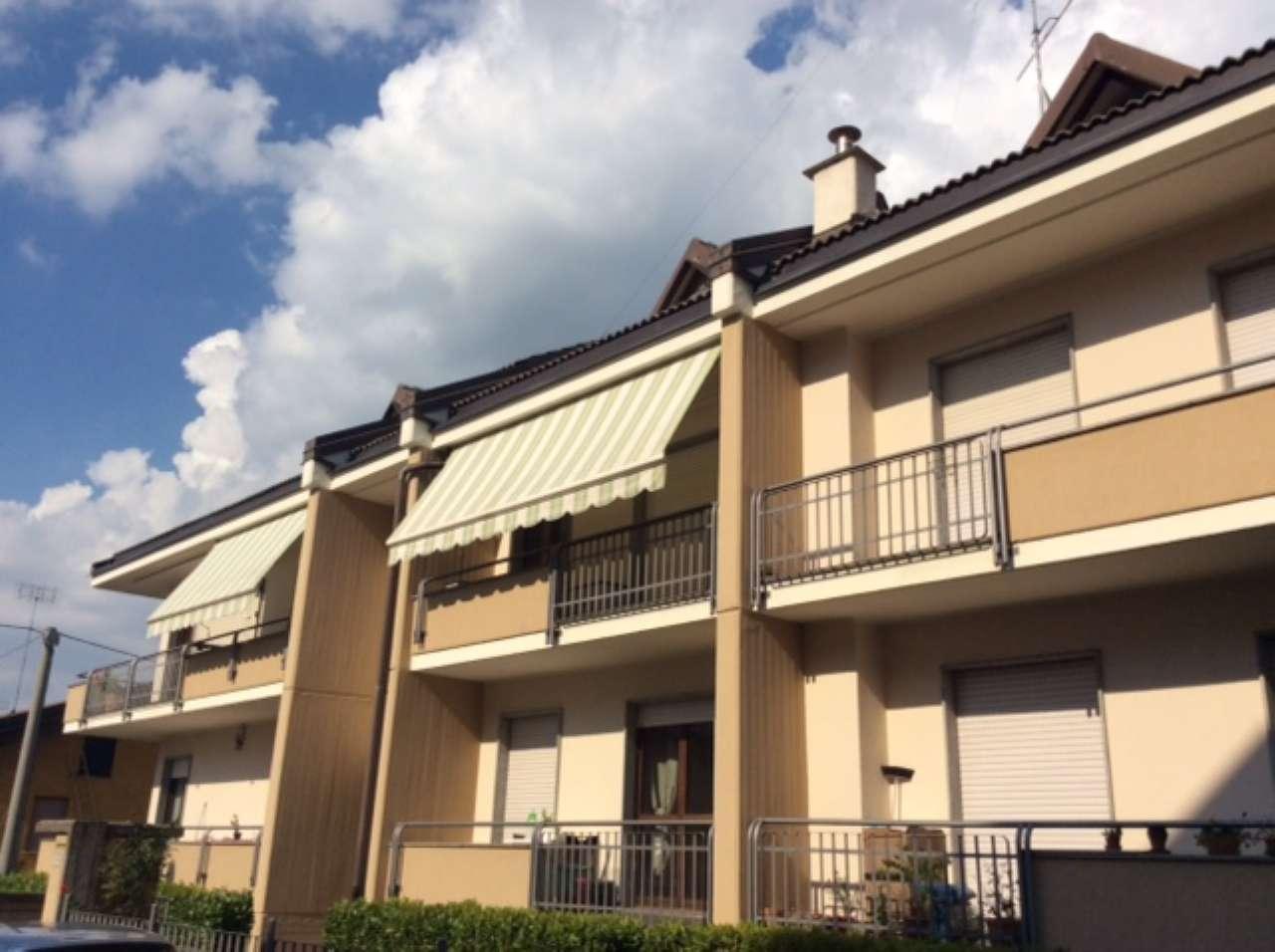 Appartamento in buone condizioni in vendita Rif. 7271035