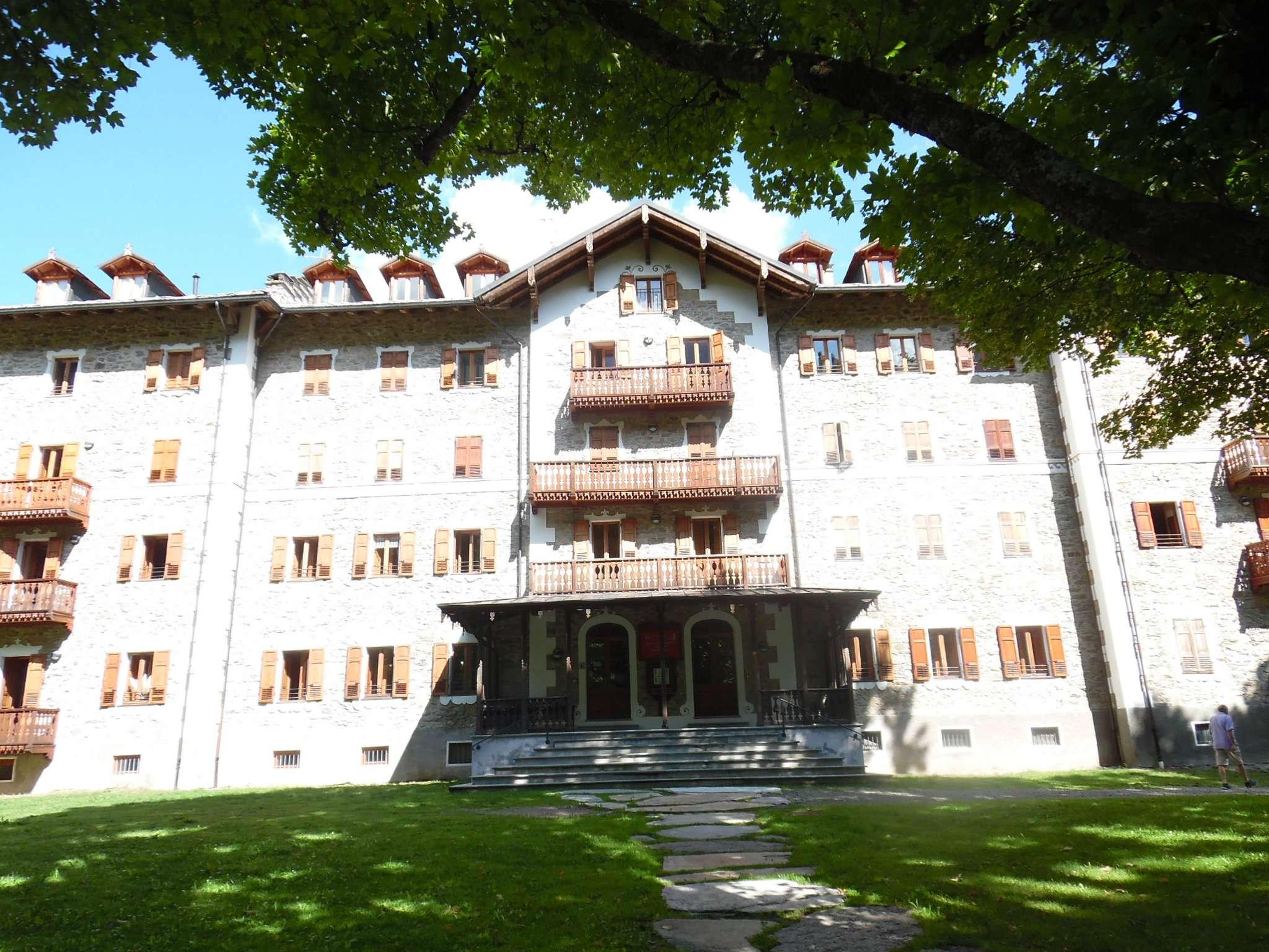 Stabile / Palazzo in ottime condizioni parzialmente arredato in vendita Rif. 7620673