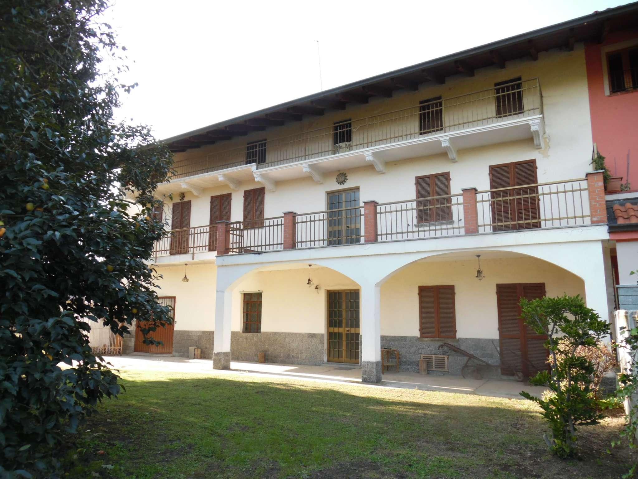 Casa Indipendente in buone condizioni parzialmente arredato in vendita Rif. 8161063