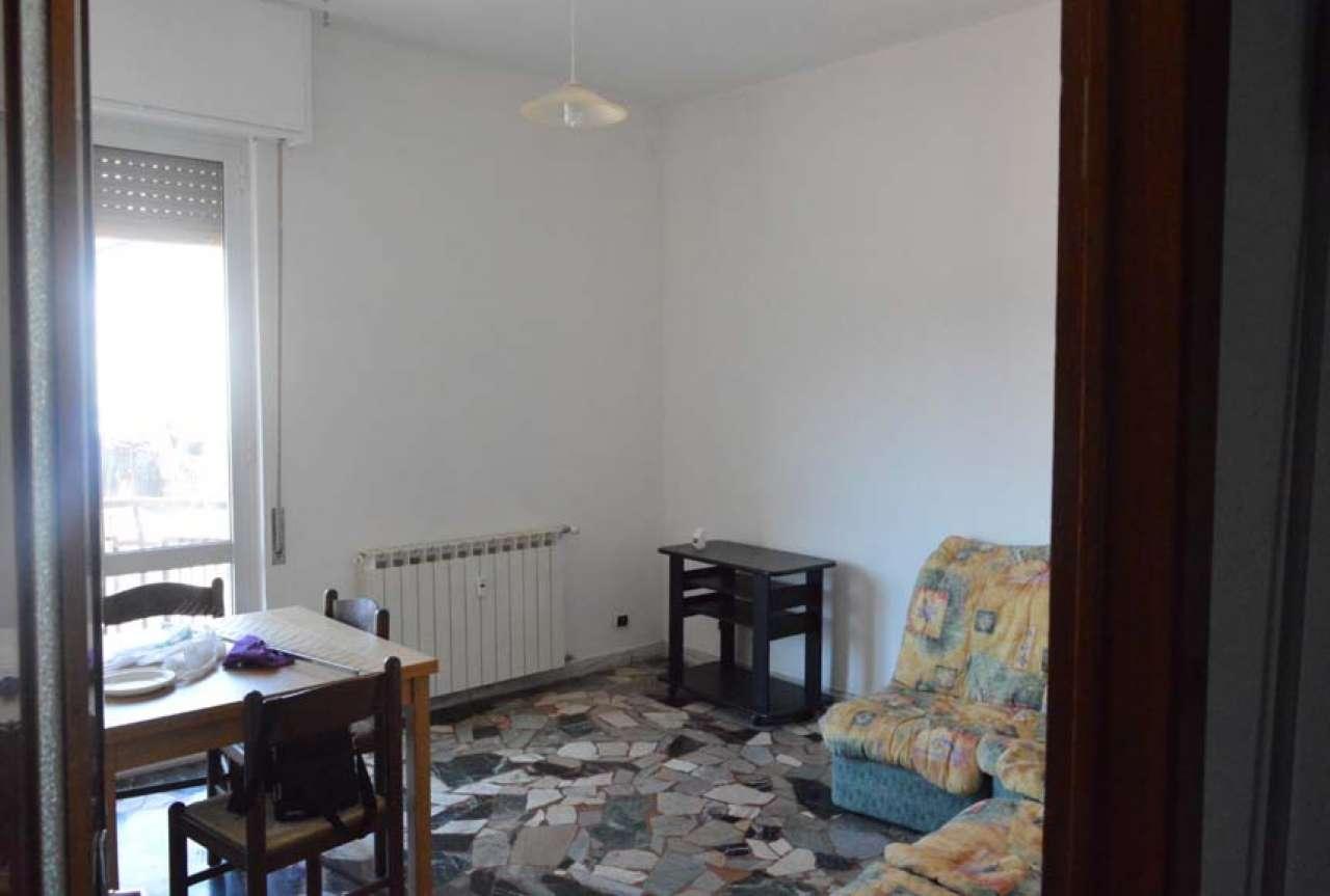 Appartamento in buone condizioni in vendita Rif. 8413794