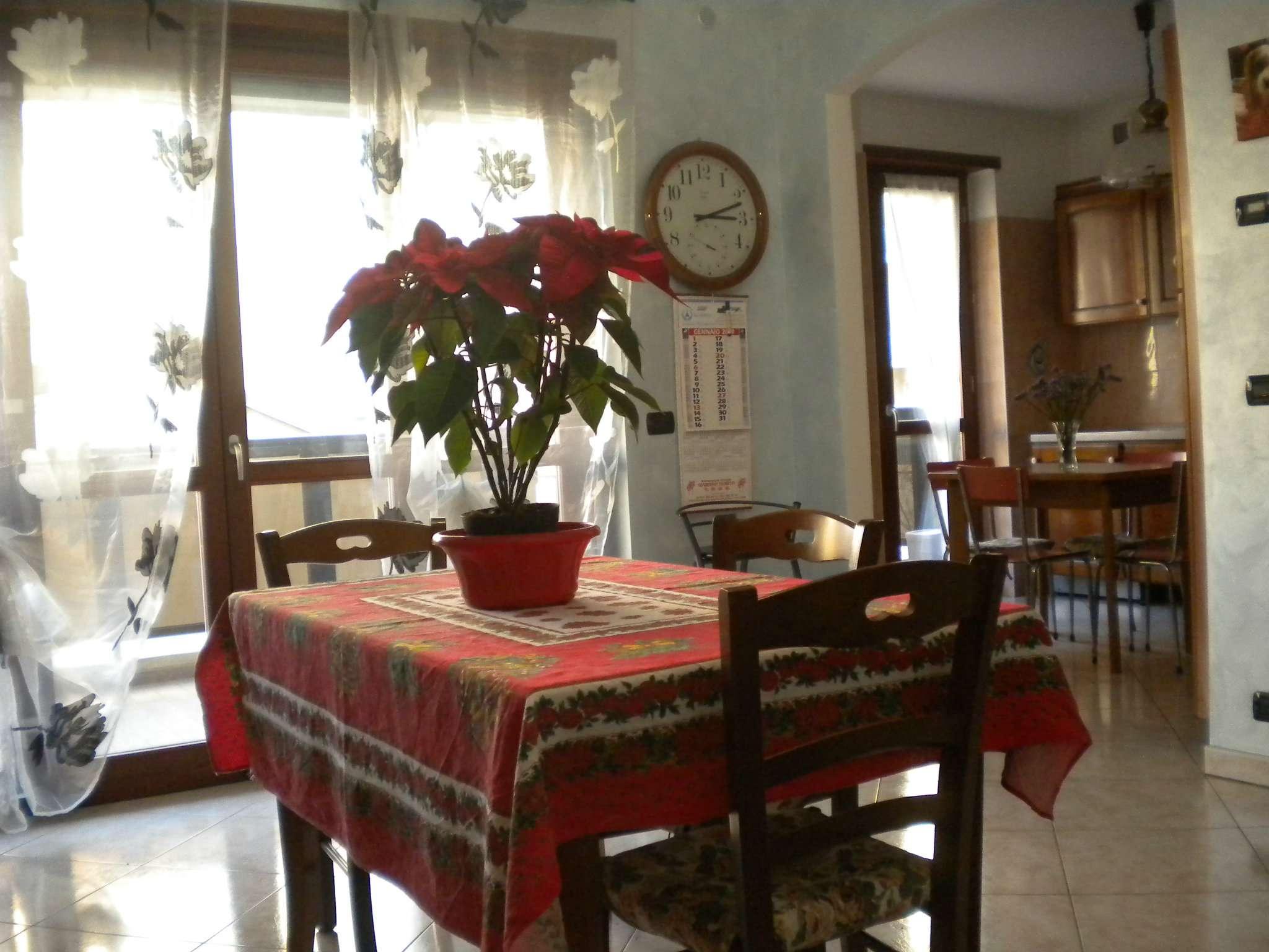 Appartamento in ottime condizioni parzialmente arredato in vendita Rif. 9349983