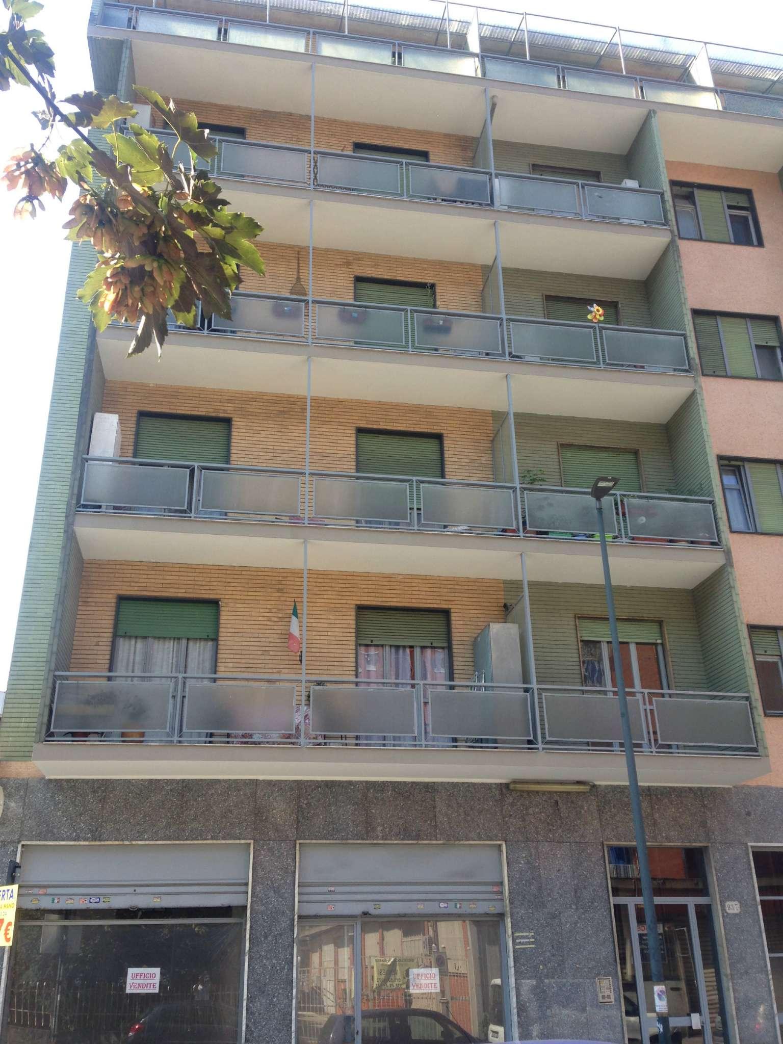 Appartamento in discrete condizioni in vendita Rif. 9365196
