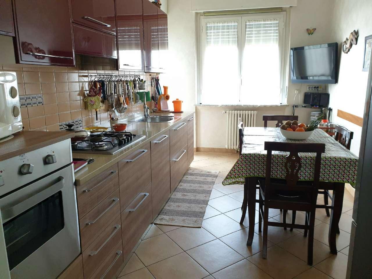 Ampio appartamento ristrutturato, foto 3