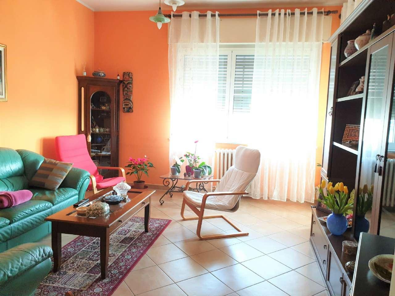 Ampio appartamento ristrutturato, foto 0