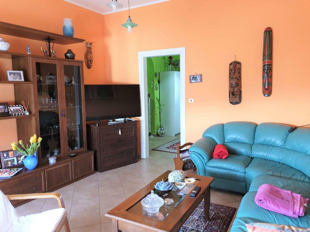 Ampio appartamento ristrutturato, foto 2