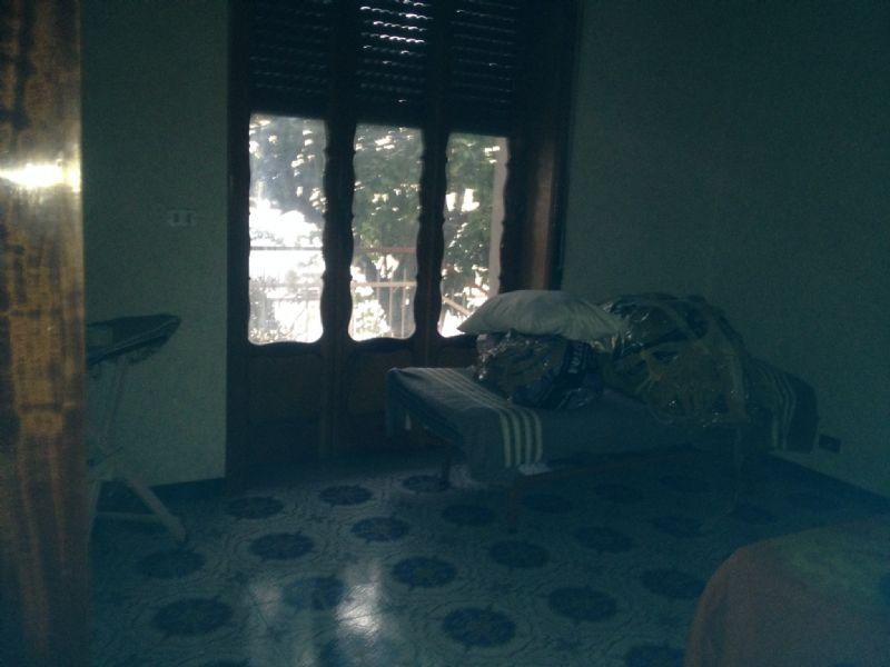 Ampio trilocale semi indipendente con cantina e giardino, foto 5
