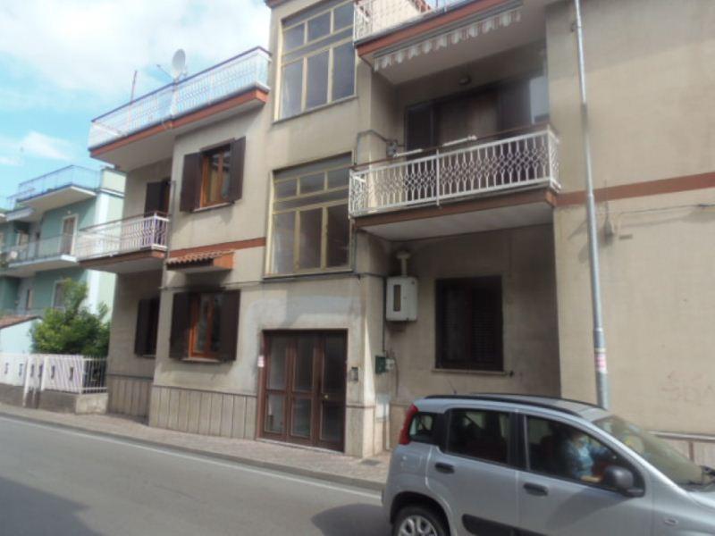 Appartamento in buone condizioni in vendita Rif. 7772158