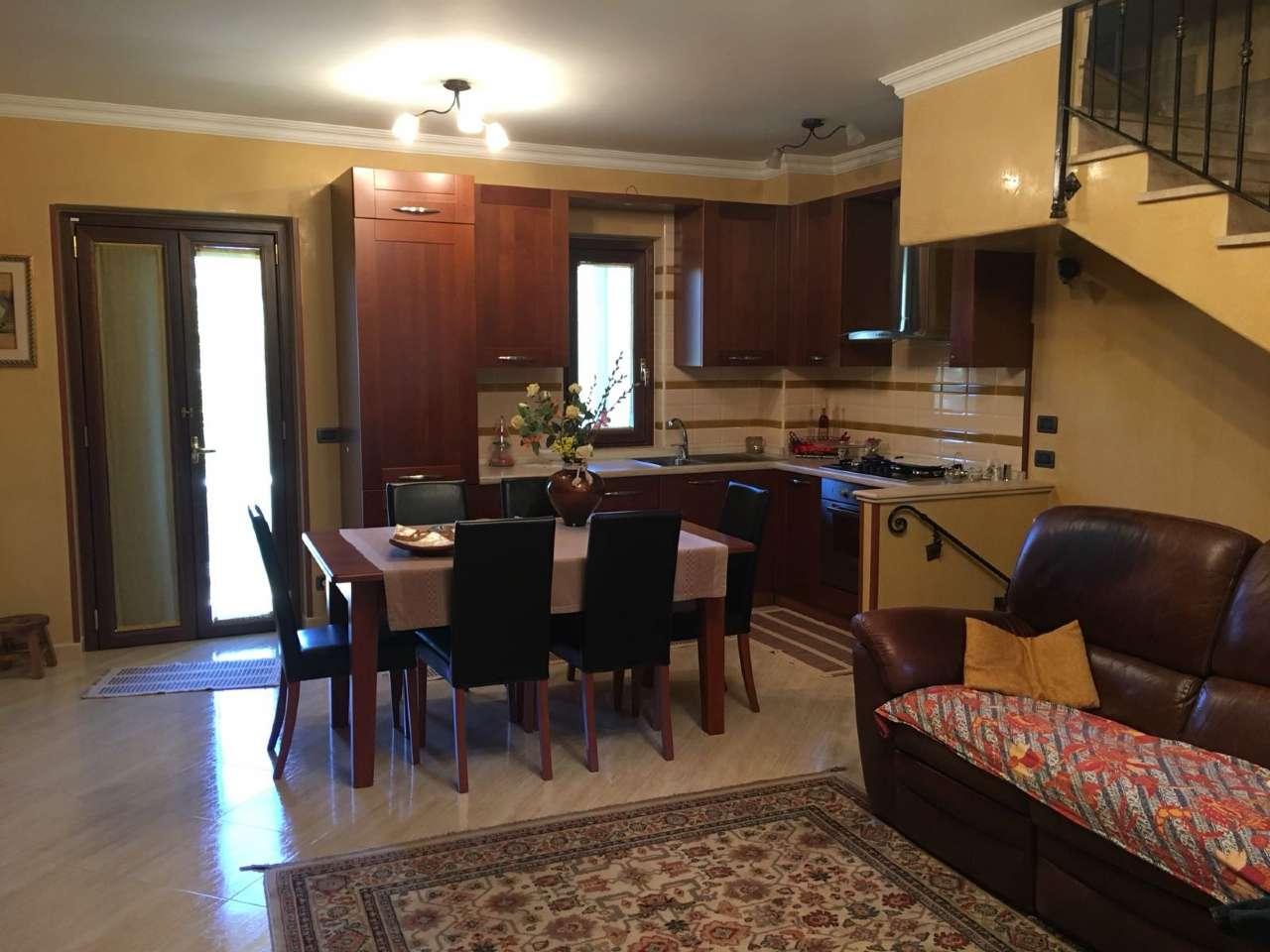 Villa 6 locali in vendita a Catanzaro (CZ)