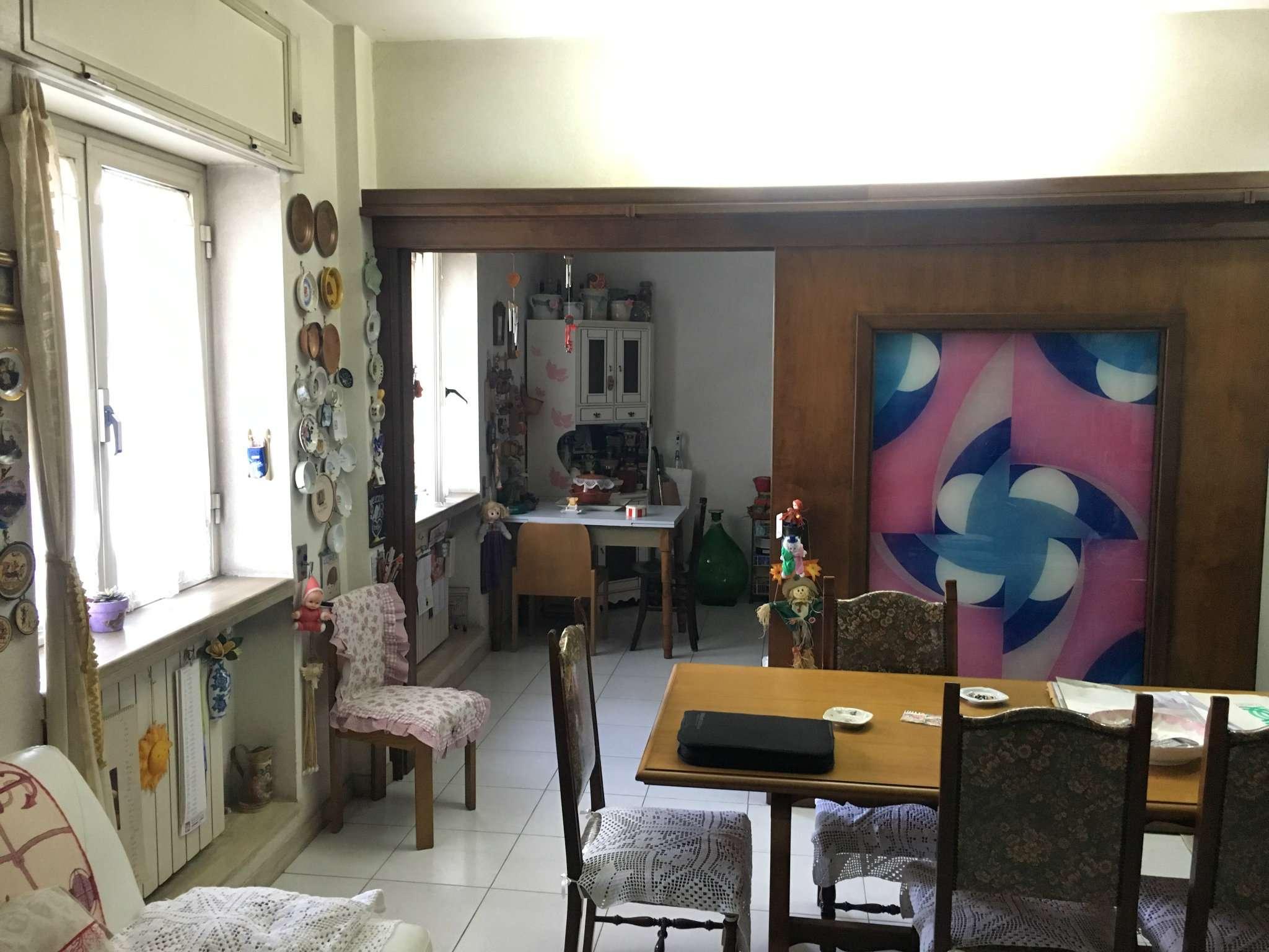 Appartamento in buone condizioni arredato in vendita Rif. 6701330