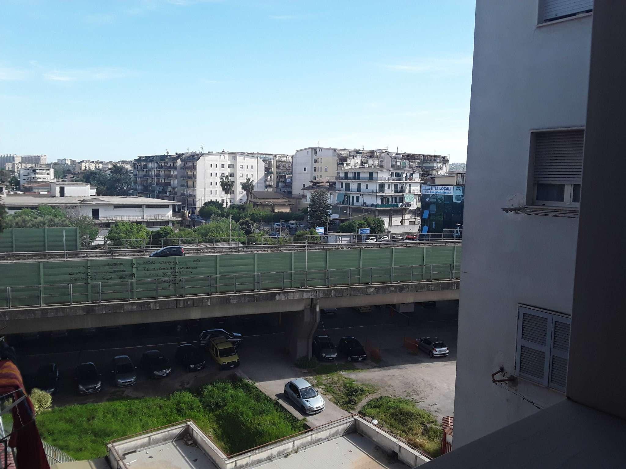 Quadrilocale con terrazzino e posti auto