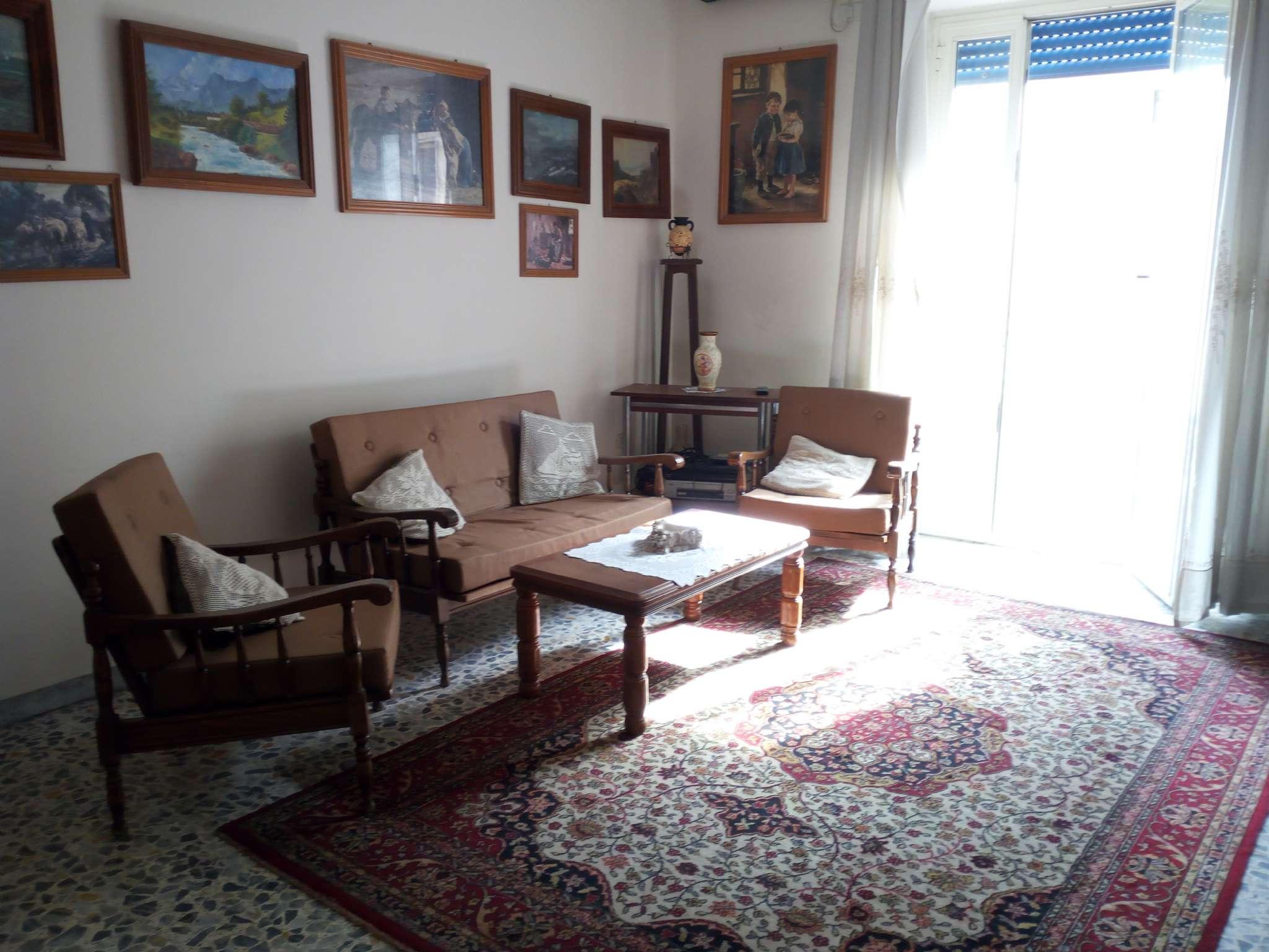 Appartamento in condizioni mediocri in vendita Rif. 6881299