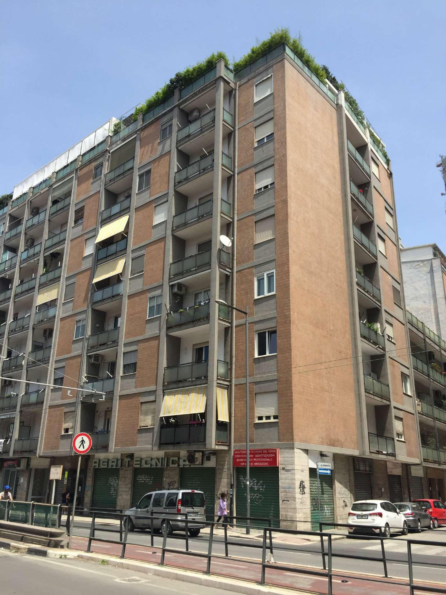 Appartamento in discrete condizioni in vendita Rif. 7062331