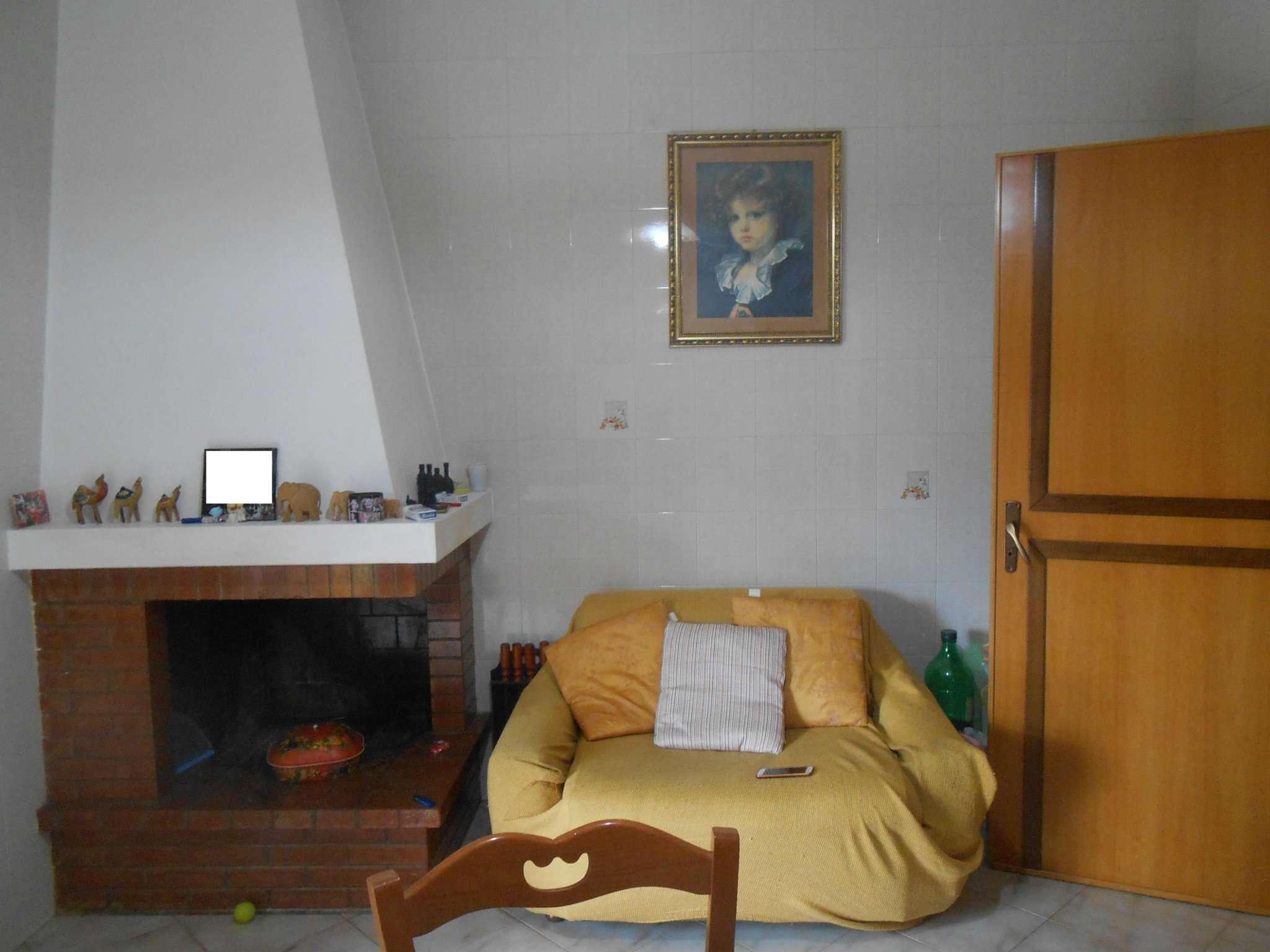 Appartamento in buone condizioni in vendita Rif. 7125629