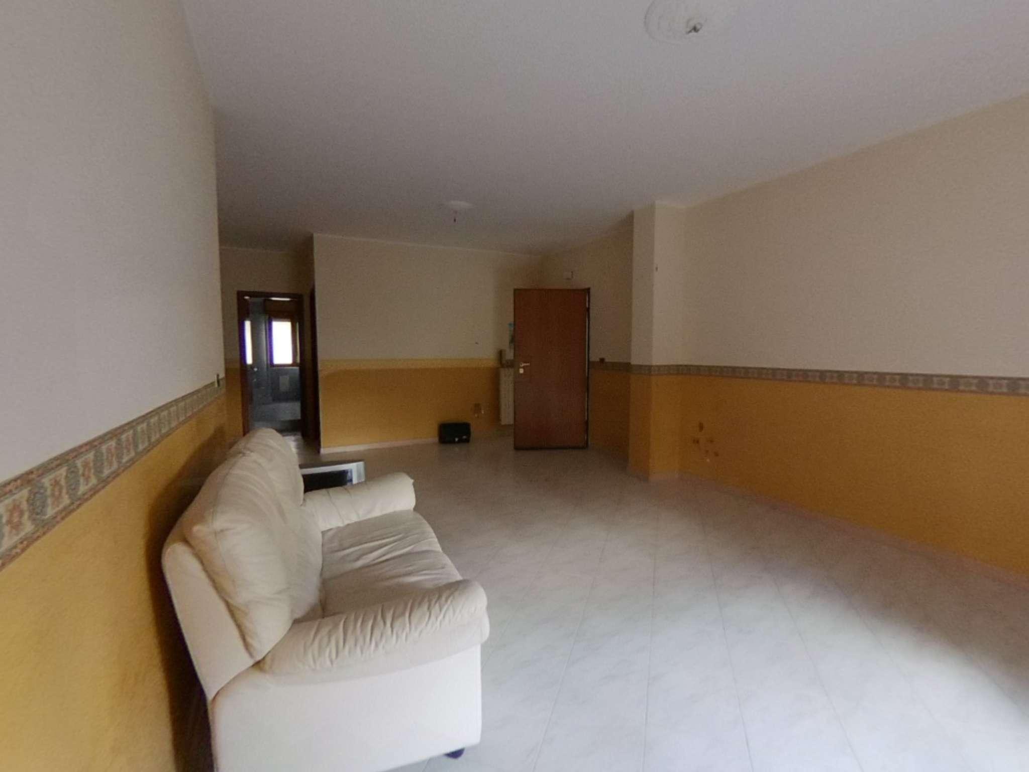Appartamento in ottime condizioni in vendita Rif. 7452797