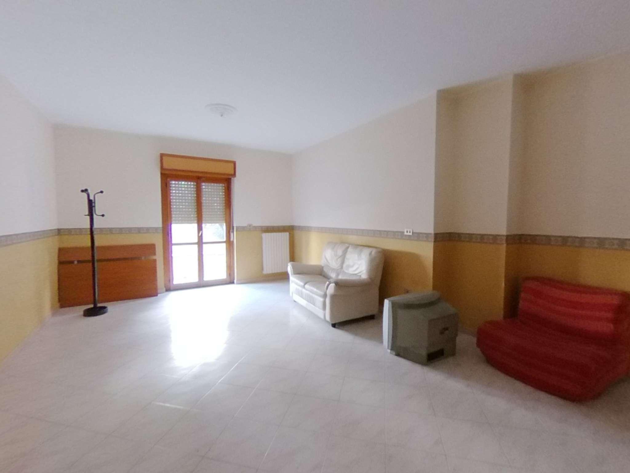 Appartamento in ottime condizioni in vendita Rif. 7452796