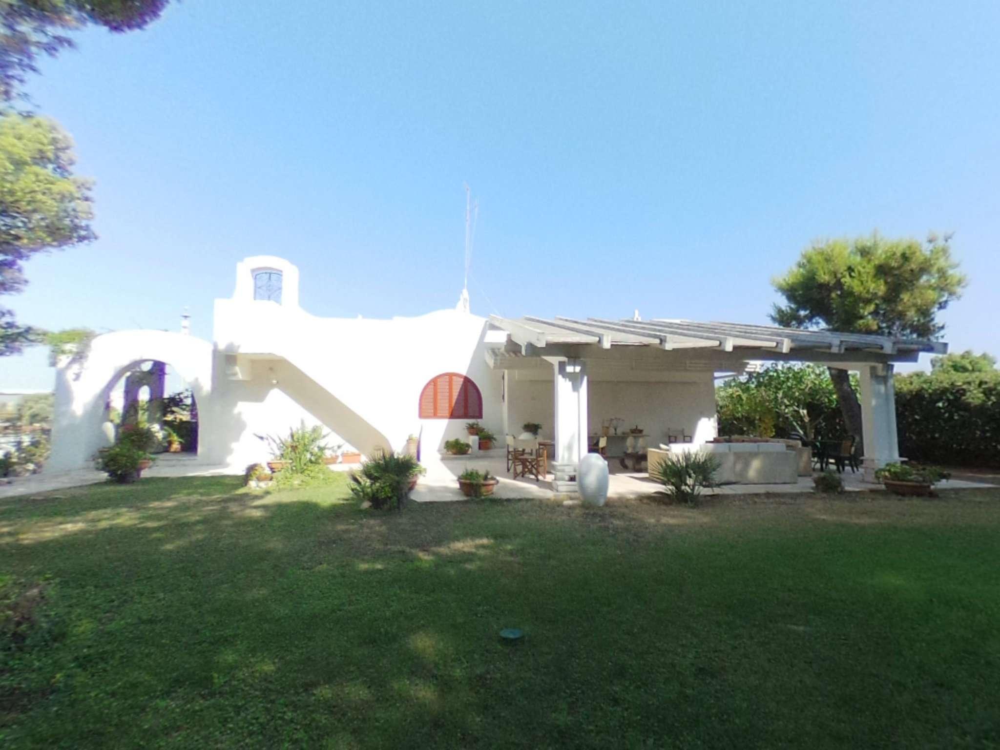 Villa in buone condizioni parzialmente arredato in vendita Rif. 7655412