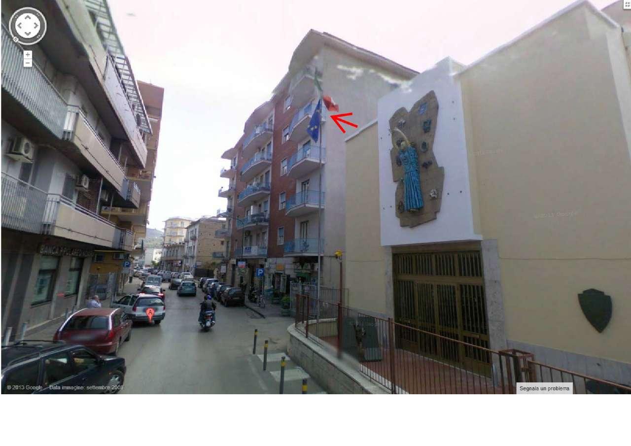 Appartamento in buone condizioni in vendita Rif. 7497049