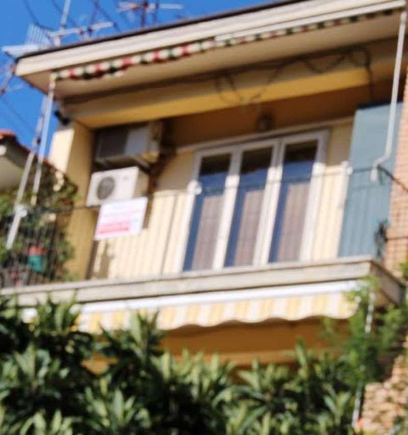 Ampio appartamento ristrutturato con balconi e cantina