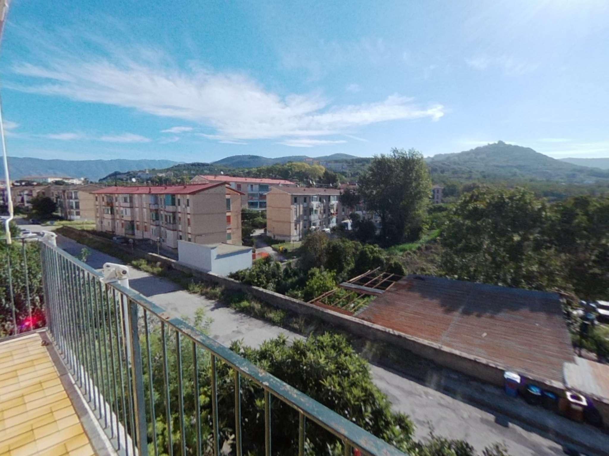 Appartamento in ottime condizioni in vendita Rif. 8413800