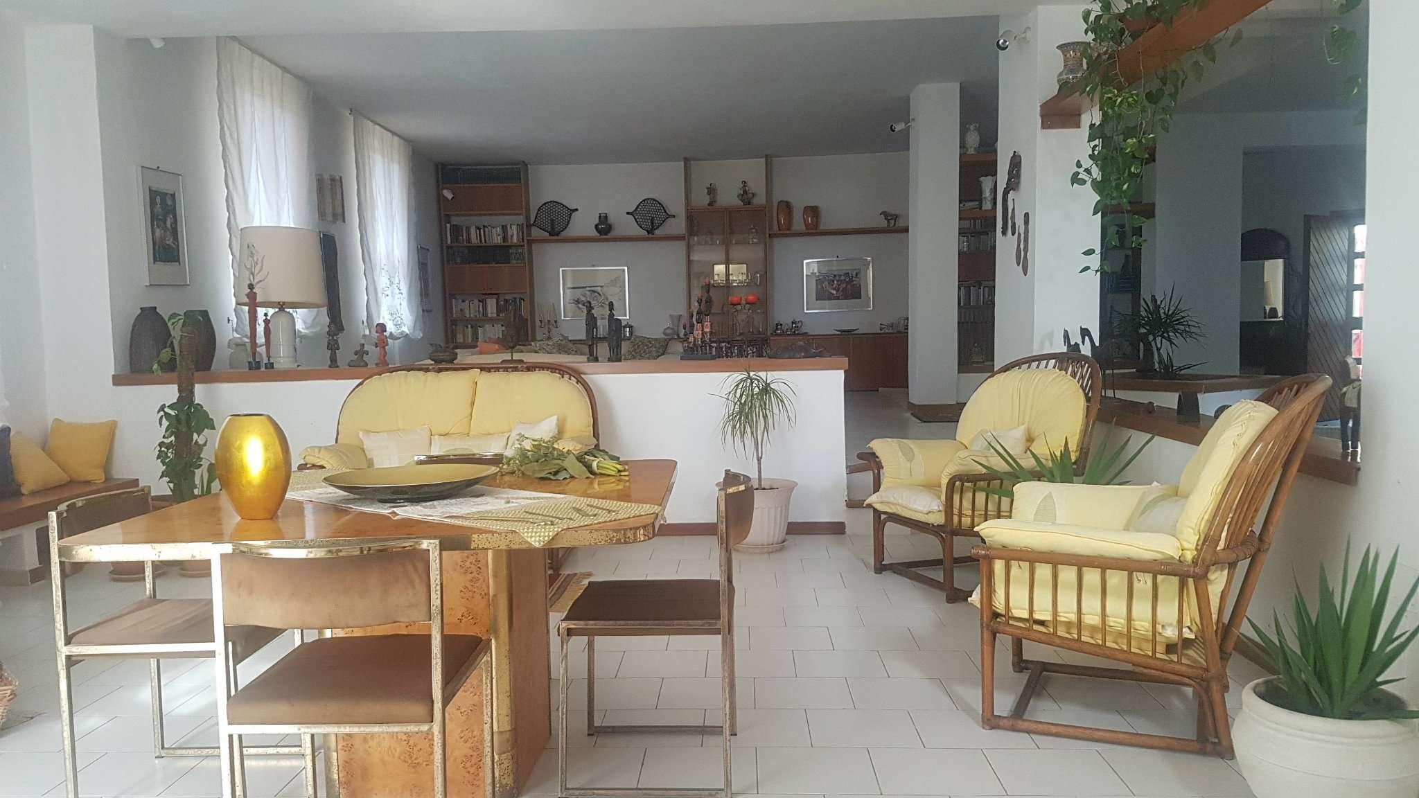 Foto 1 di Villa via Sant'Angelo di Ogliara, Salerno
