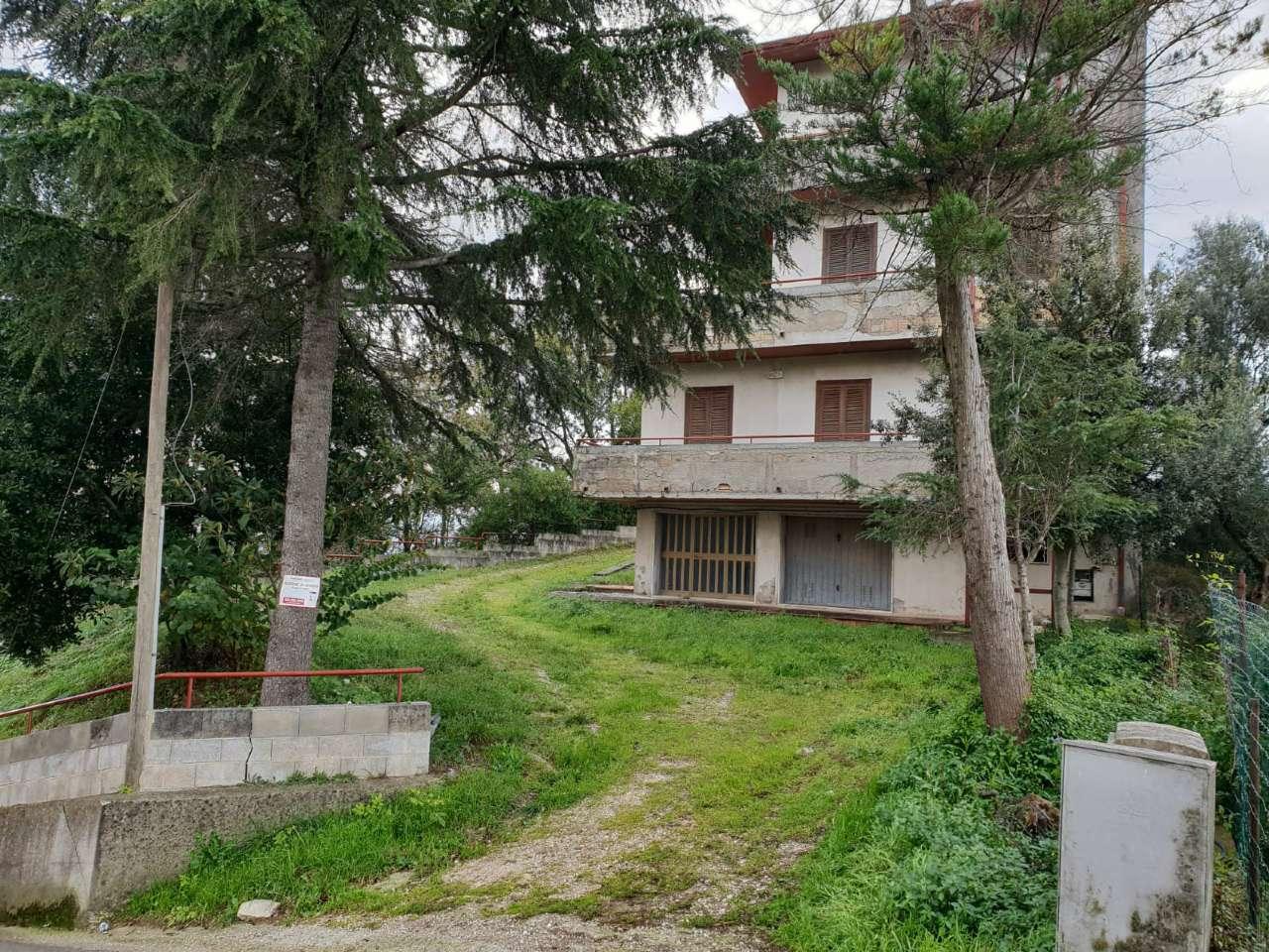 Foto 1 di Casa indipendente via Tuoppo, San Leucio Del Sannio