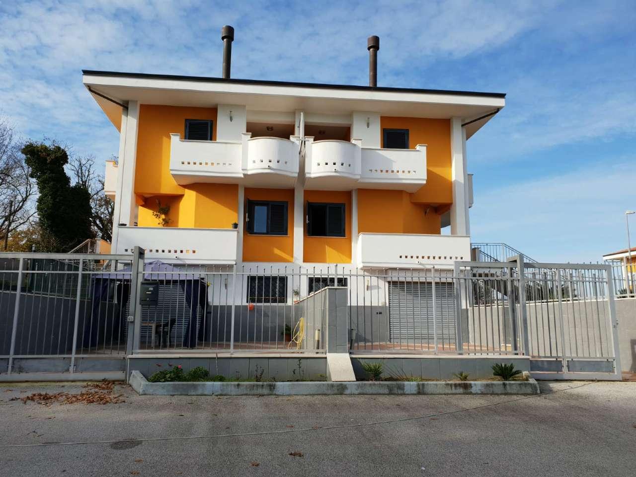 Foto 1 di Villa contrada Montecalvo, Benevento