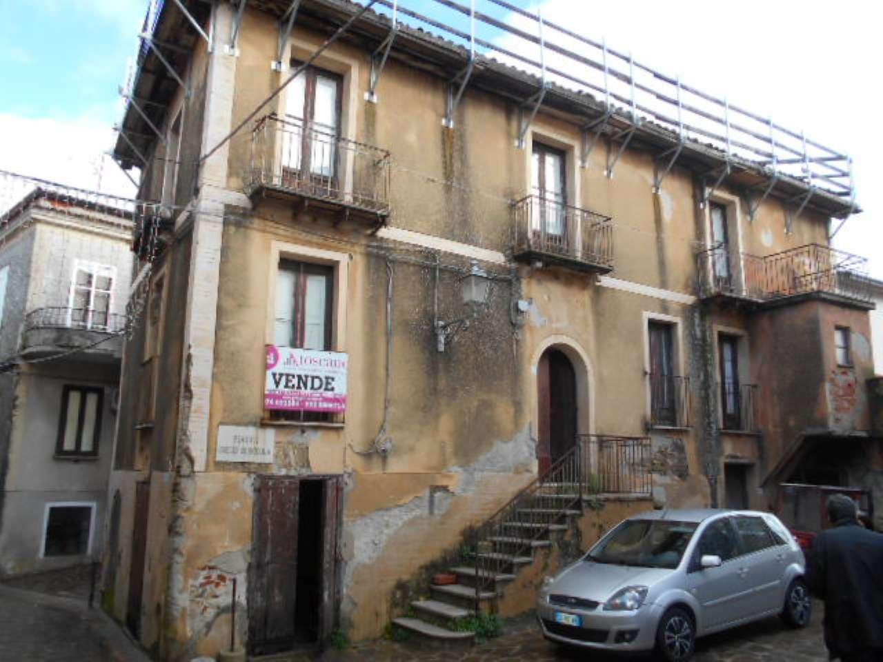 Foto 1 di Villa piazza sernicola 3, frazione Celso, Pollica