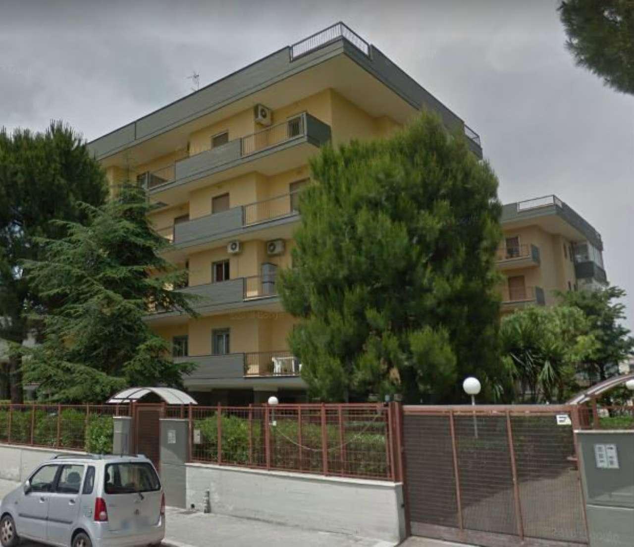 Foto 1 di Quadrilocale via Pietro Mascagni, Bari (zona Marconi - S.Girolamo)