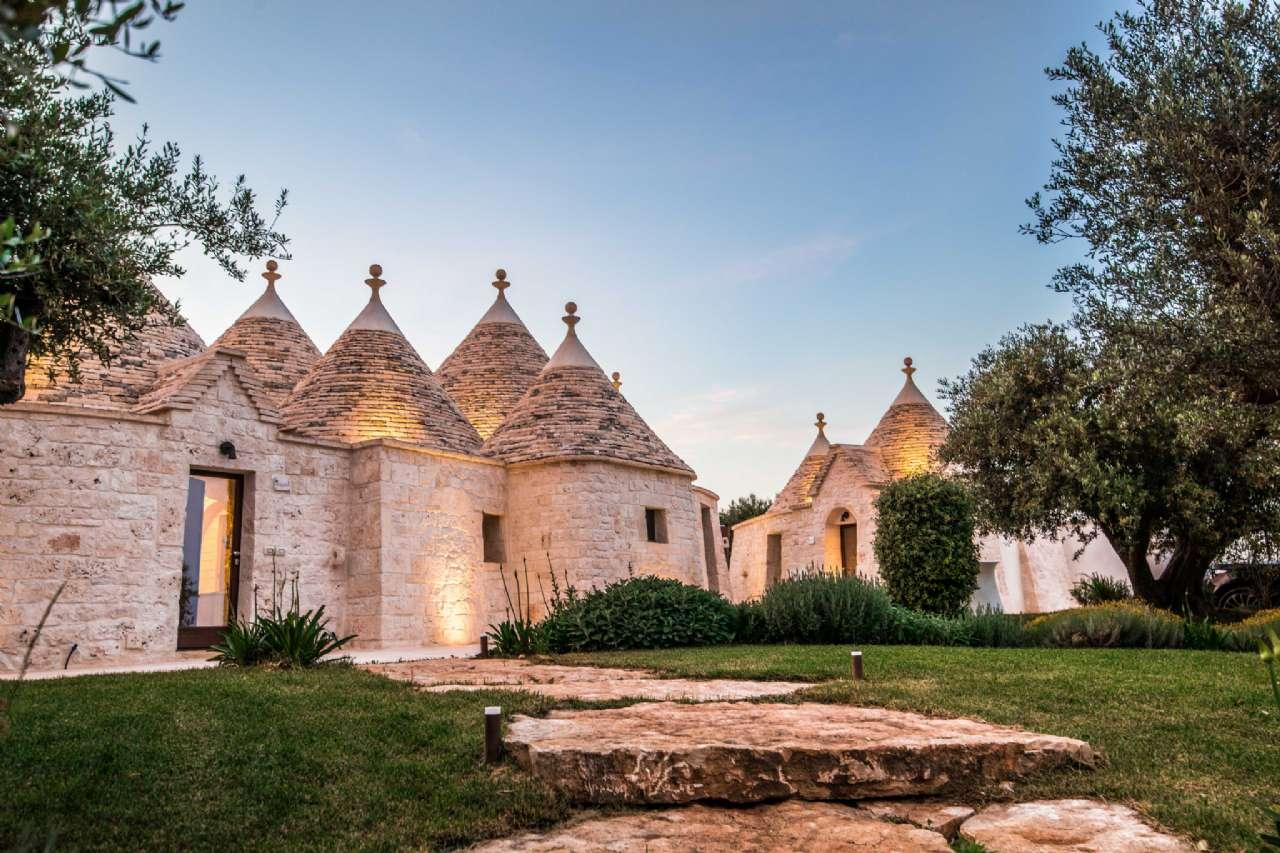 Valle D' Itria - Meraviglioso complesso di trulli tradizionali con piscina, foto 0