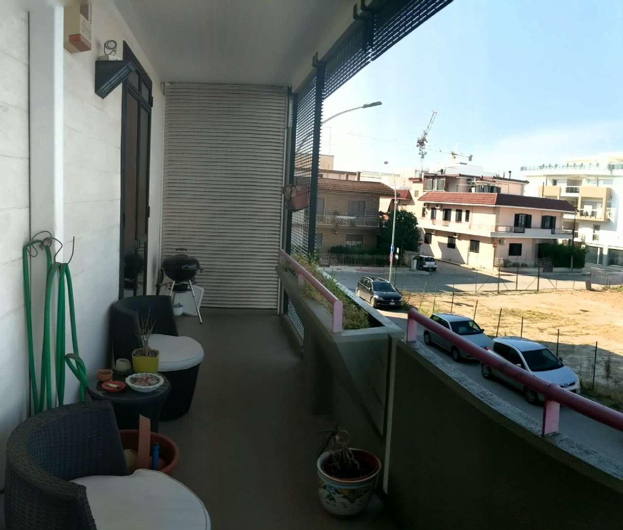 Trilocale ottimamente rifinito, con ampi balconi e posto auto in box condiviso, foto 13