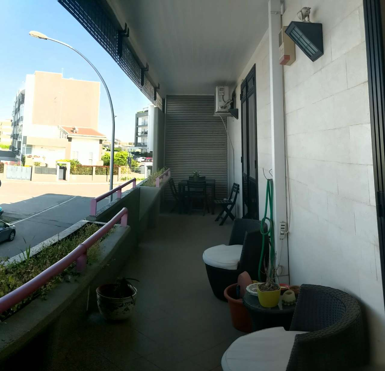 Trilocale ottimamente rifinito, con ampi balconi e posto auto in box condiviso, foto 12