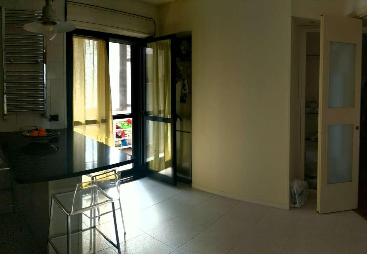 Trilocale ottimamente rifinito, con ampi balconi e posto auto in box condiviso, foto 3
