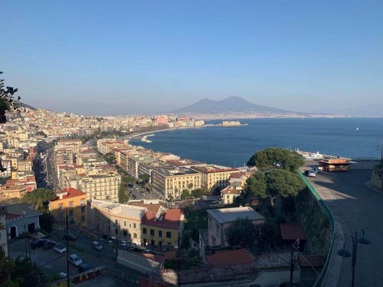 Posillipo - Ampio appartamento panoramico vista mare e Vesuvio, foto 0