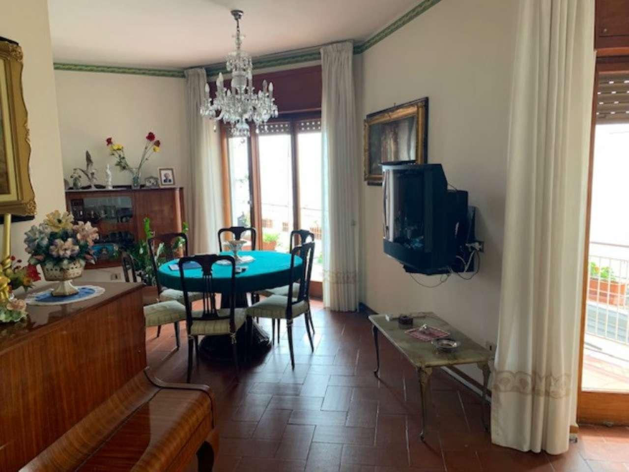 Posillipo - Ampio appartamento panoramico vista mare e Vesuvio, foto 3