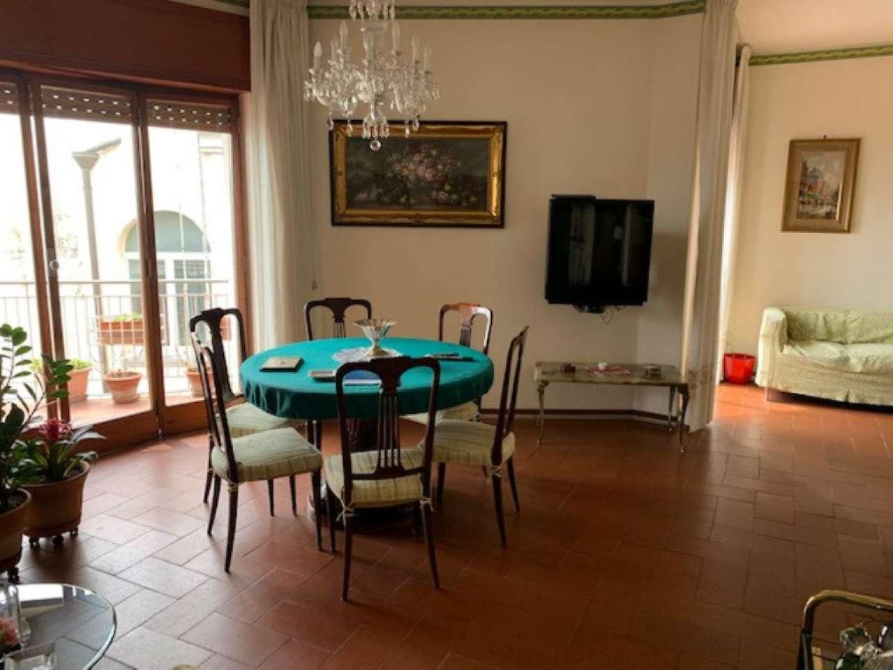 Posillipo - Ampio appartamento panoramico vista mare e Vesuvio, foto 2