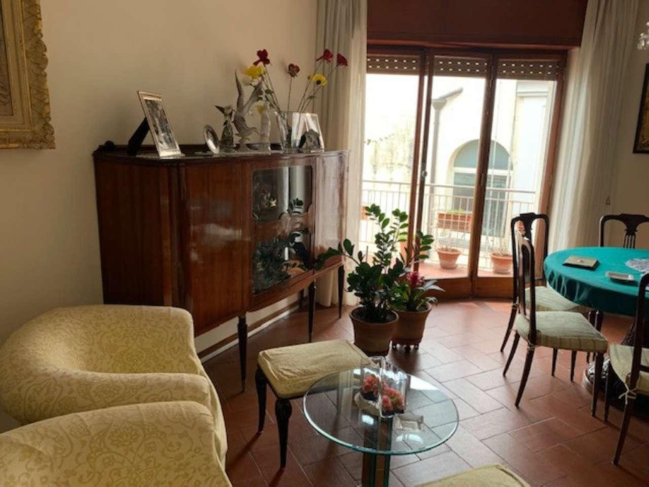 Posillipo - Ampio appartamento panoramico vista mare e Vesuvio, foto 4