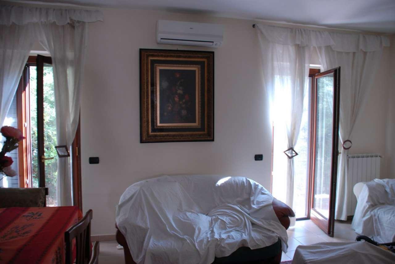 Foto 1 di Villa via Bettino Craxi, frazione Soverato Superiore, Soverato