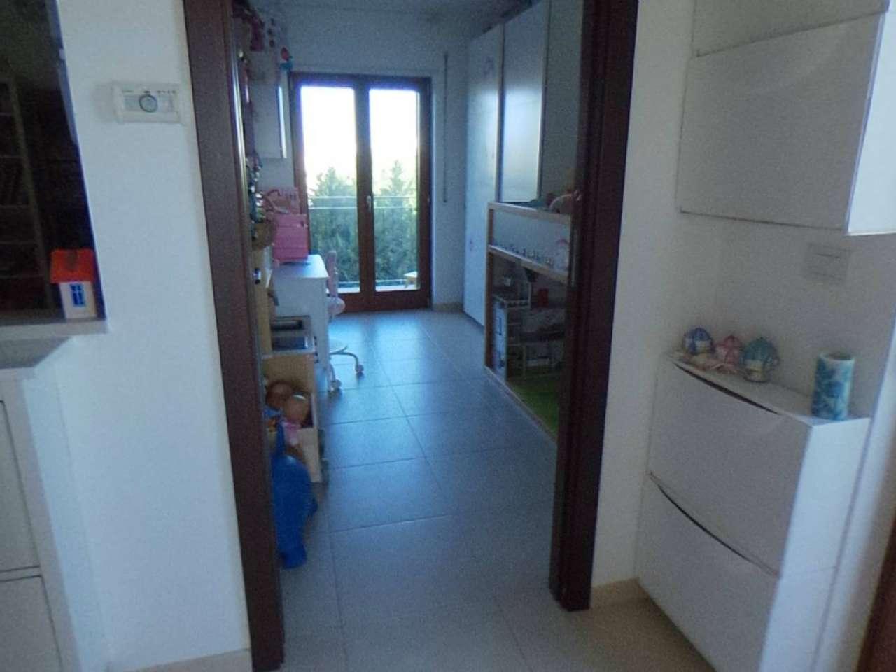Attico in mini condominio con posto auto scoperto, foto 9