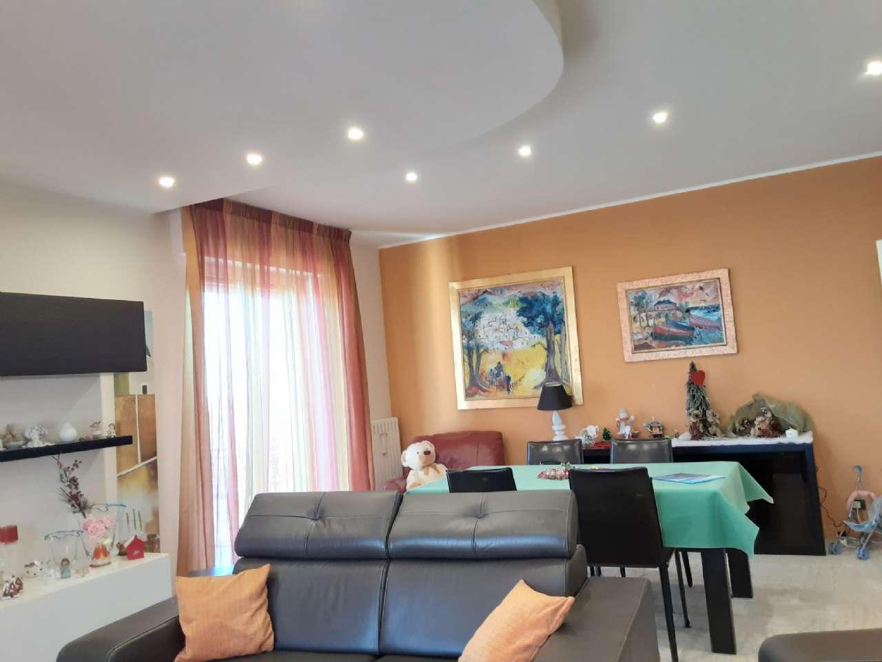 Signorile appartamento con posto auto, foto 2