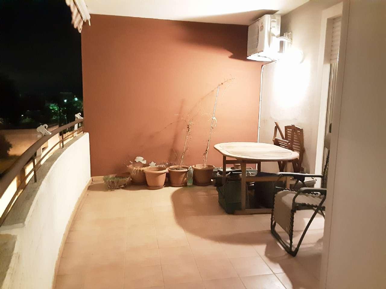 Luminoso e confortevole quadrilocale con balcone e box auto, foto 17