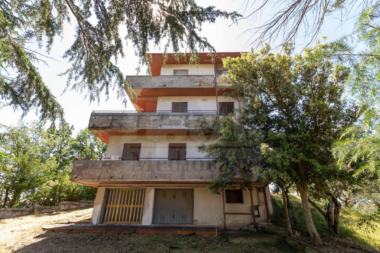 Vendita Casa indipendente San Leucio del Sannio, via ...