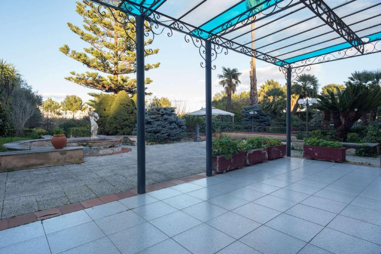 Vomero - Villa con giardino, foto 5