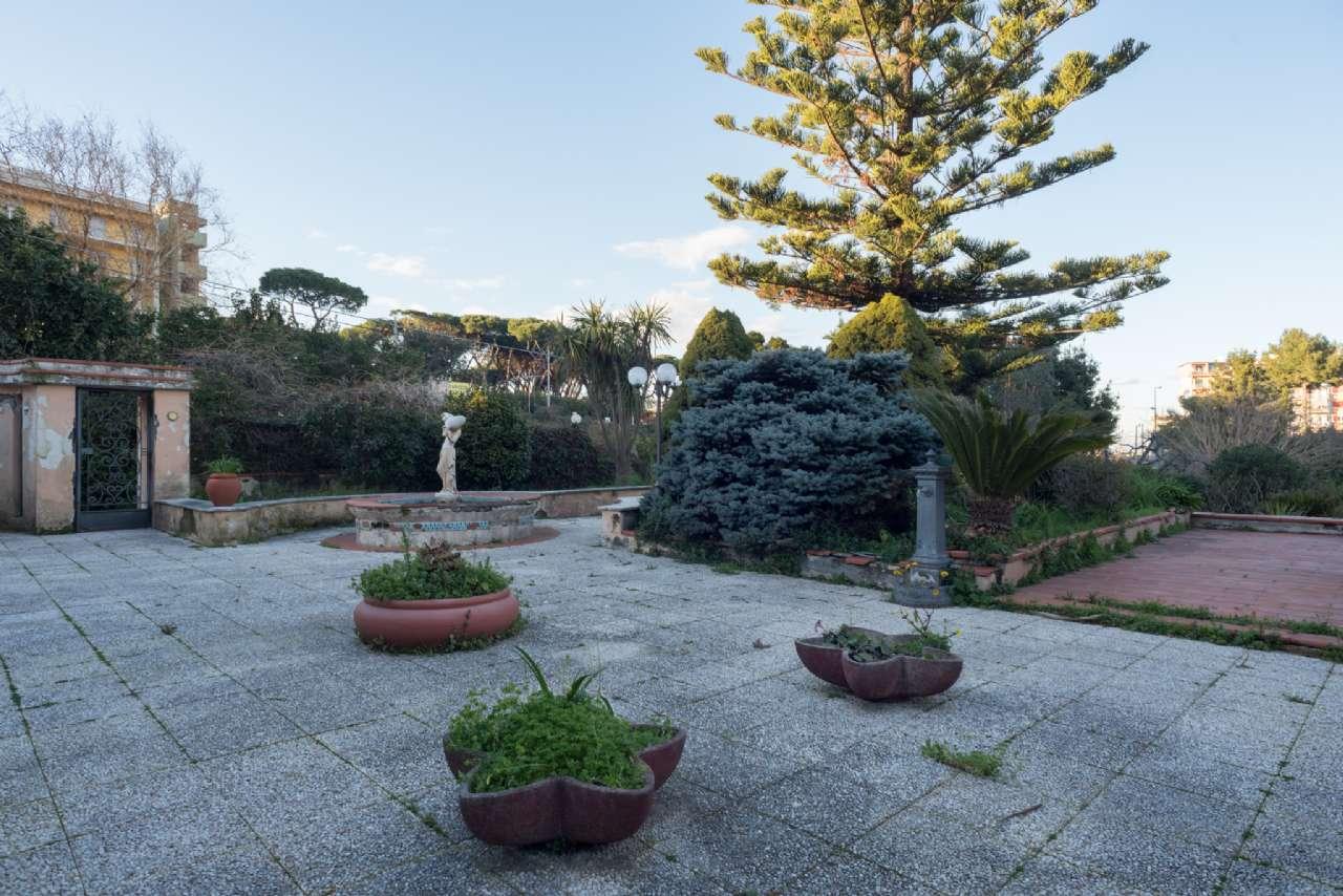 Vomero - Villa con giardino, foto 3