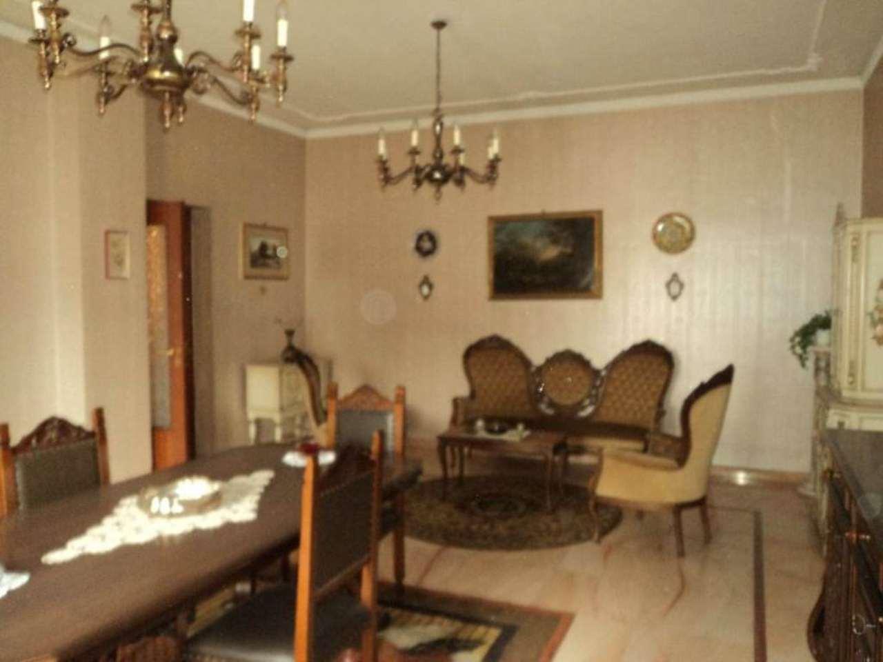 Appartamento in condizioni mediocri in vendita Rif. 5275065