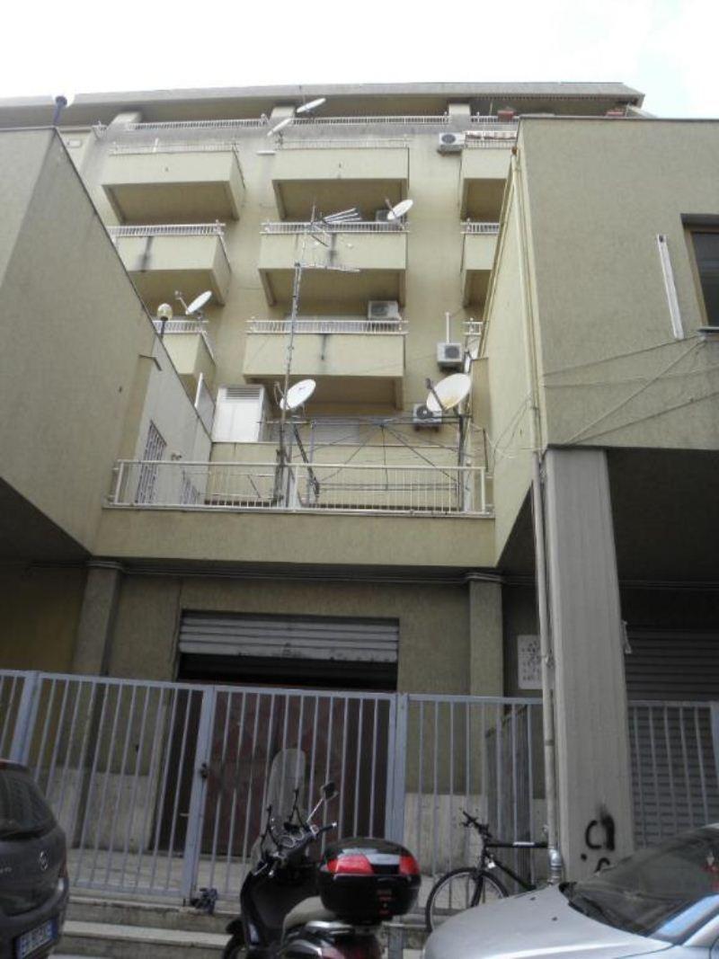 Zisa - Ampio quadrilocale con balconi e posto auto, foto 19