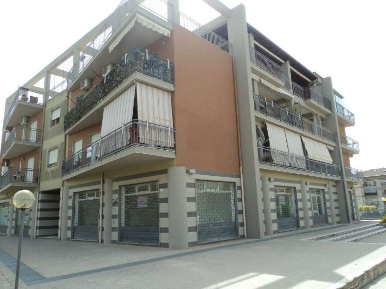 Appartamento in ottime condizioni parzialmente arredato in vendita Rif. 5275070
